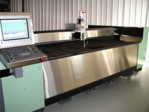 Stone Contour Systems' Contourjet 510 with HEIDENHAIN's iTNC 530 control and scales, and ETEL's linear motor