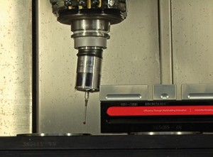 Mechanical collision protection: The HEIDENHAIN 460 touch probe simply yields upon collision and the machine stops